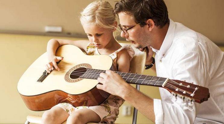 秦川乐器教育吉他