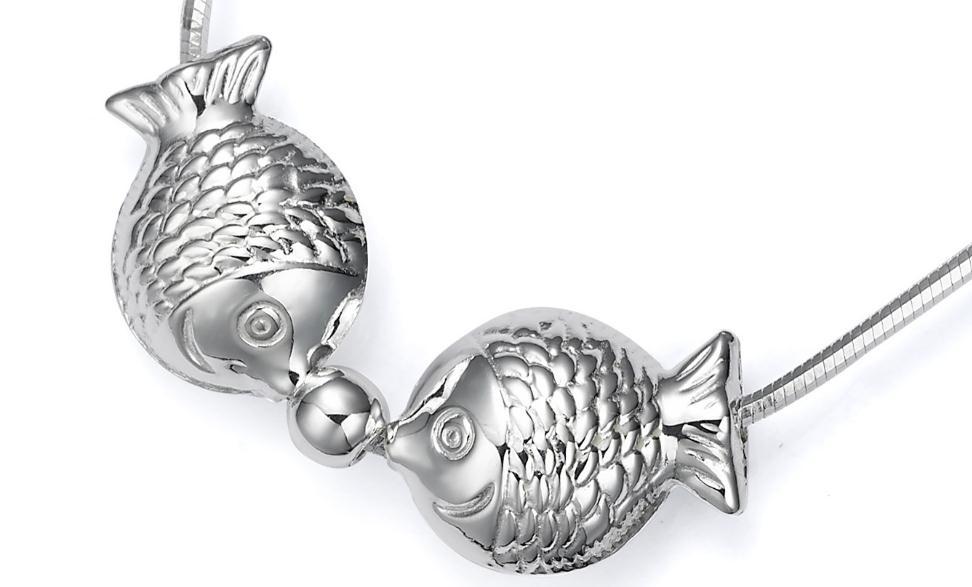 金苹果两只鱼