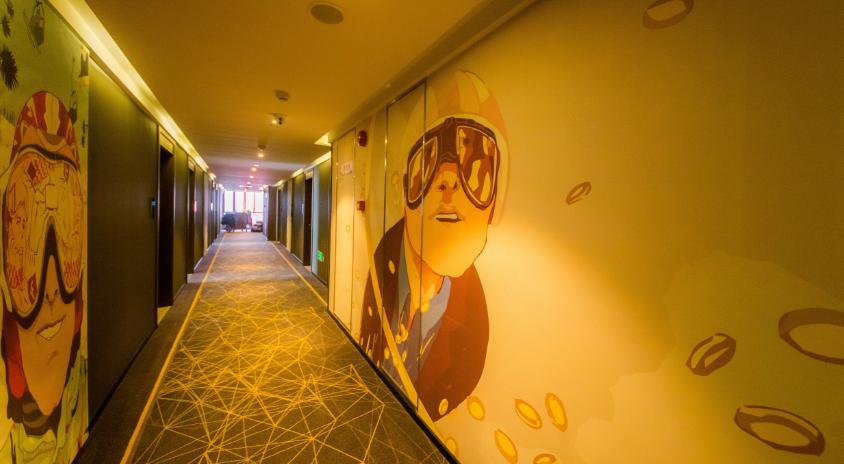潮漫酒店走廊