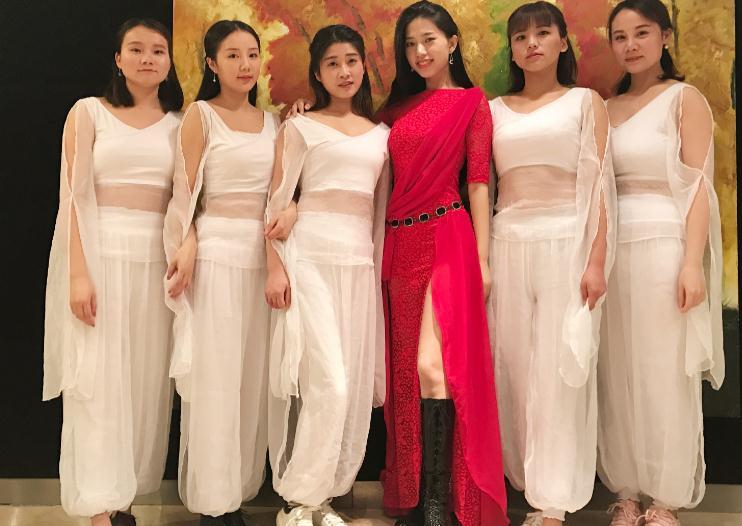 杨阳东方舞艺术白色