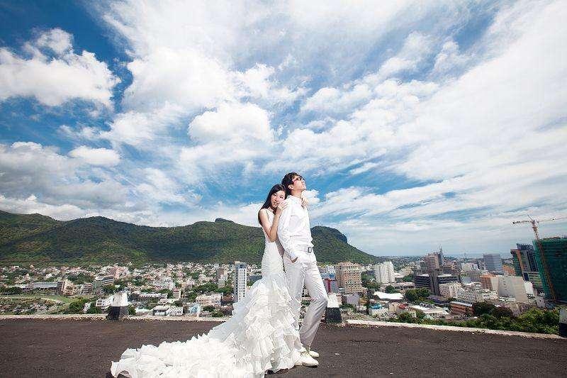 真爱之旅婚纱摄影