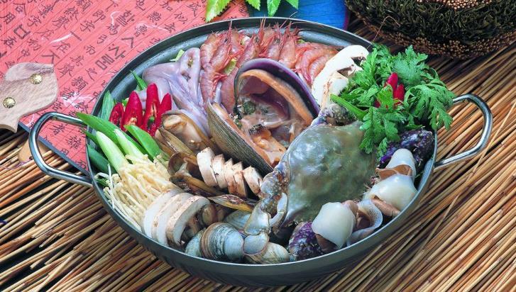 禾湟记海鲜火锅鱼头火锅