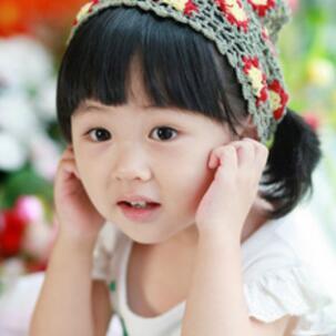咿咿呀呀儿童摄影齐刘海妹子