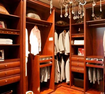 索菲亚定制衣柜实木整体衣柜