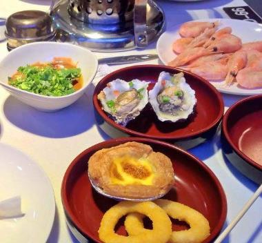 香悦堂港式海鲜肥牛涮锅甜点