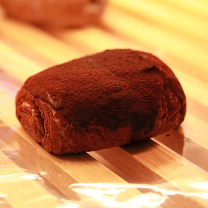 在麦田巧克力面包