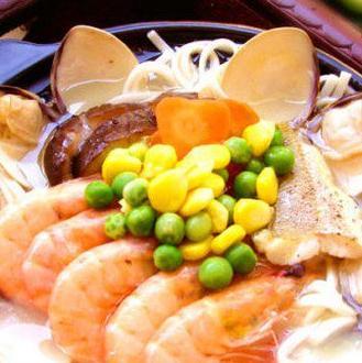哈尼海鲜面黄豆虾面