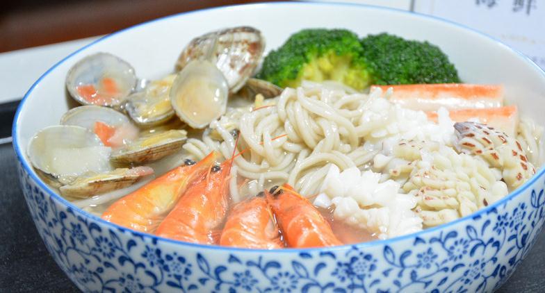 面馆温州特色海鲜虾面