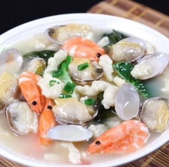面馆温州特色海鲜鲜虾蛤蜊面