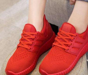 温尔缦老人鞋红色