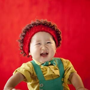 格林童趣儿童摄影卷毛
