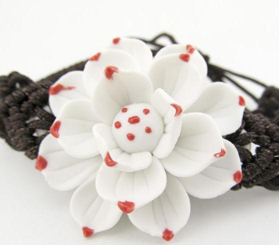 伊加伊饰品白花