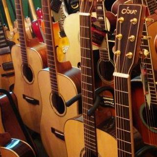六月天吉他培训各种吉他