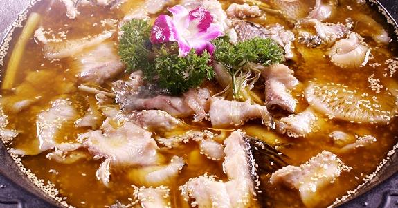舞鹅好鱼好煲火锅美味