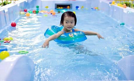 儿童喜爱游泳