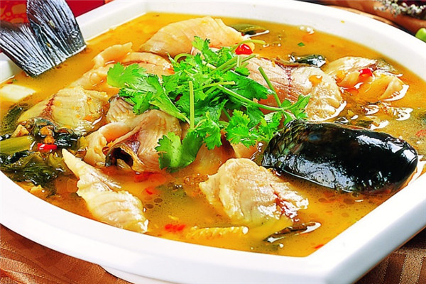 溪雨观酸菜鱼制作方式独特