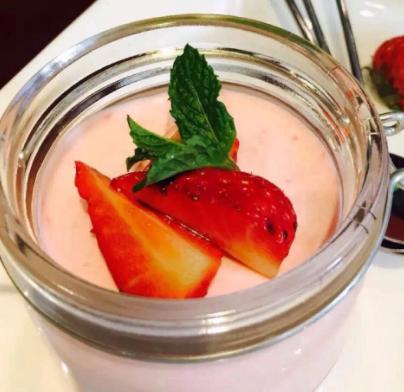福星甜品草莓布丁