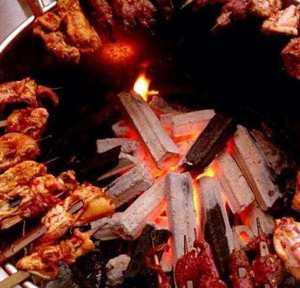 火盆烧烤鸡肉