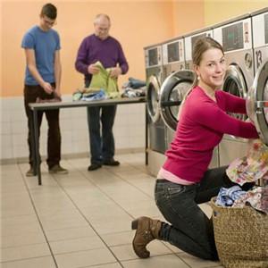 洗多多洗衣美女