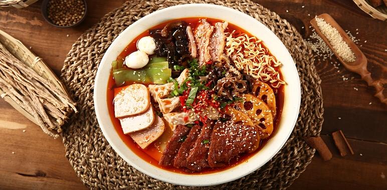 三顾冒菜红汤