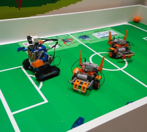 山姆科技联盟小机器人