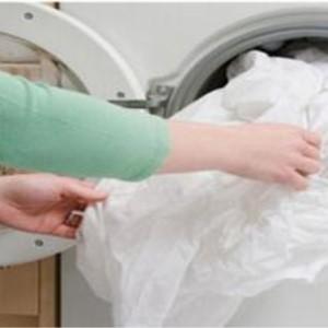 军民洗衣干洗过程