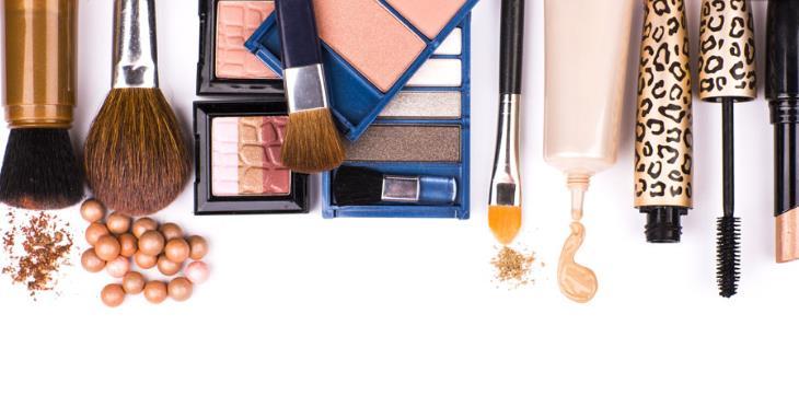 回归线各种化妆工具