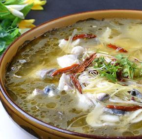柠檬鱼酸菜鱼鲜汤