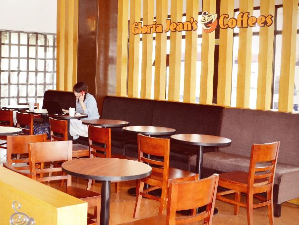 高乐雅咖啡店环境