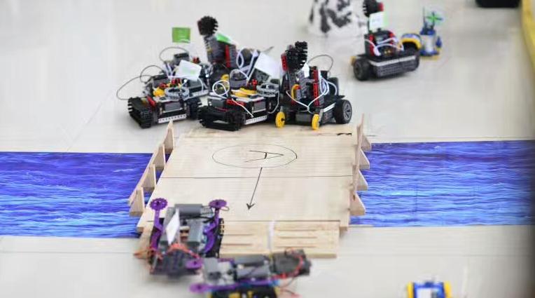 山姆科技联盟机器人