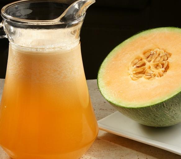 小橙大暧鲜果茶饮哈密瓜汁