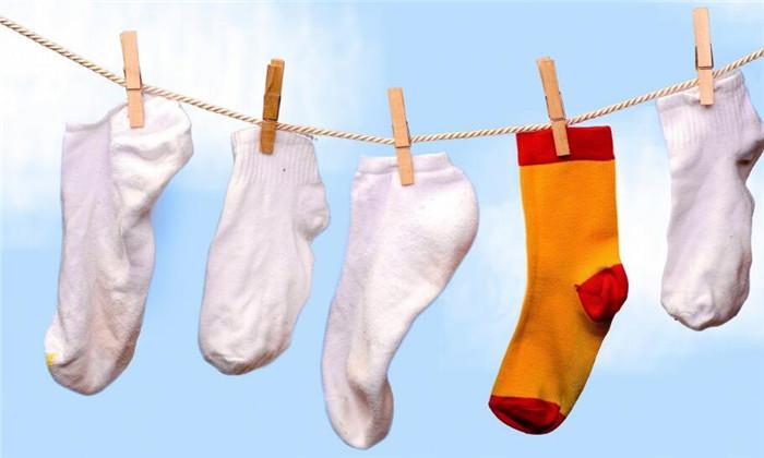 步馨洗衣袜子