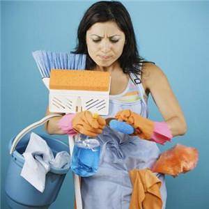 菲佣家政书和扫把