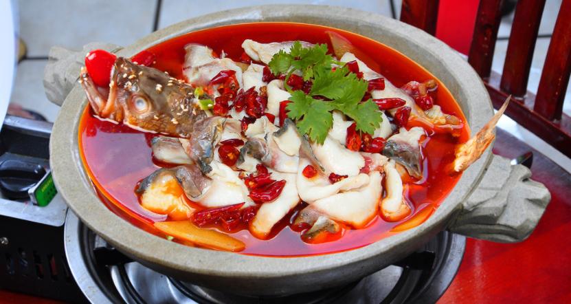 红谷滩特色石锅鱼