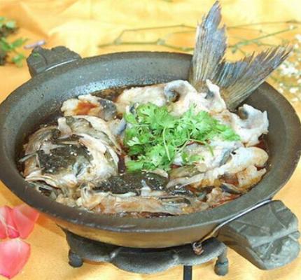 红谷滩经典石锅鱼