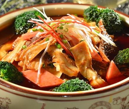 军师骨汤冒菜品种多样
