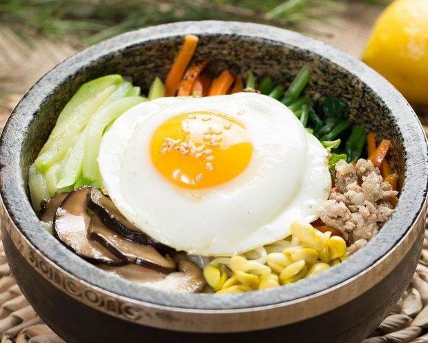 韩七妹石锅拌饭口口美味