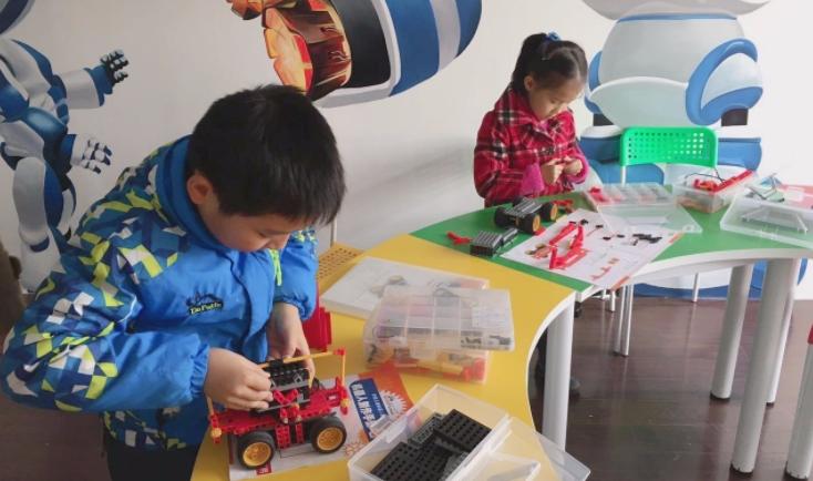 修曼机器人儿童教育