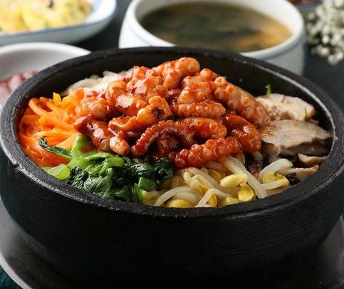 韩娜石锅拌饭营养