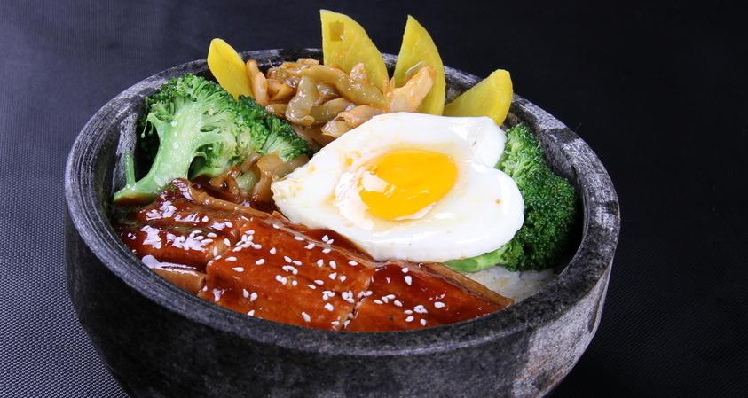 吉野家石锅饭产品