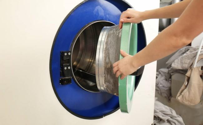 美华洗衣干洗过程