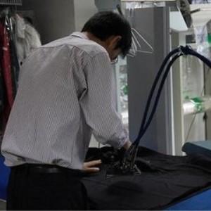 邦尼洗衣工作人员
