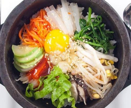 阿谷屋石锅拌饭荤素搭配
