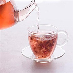 泰匠素茶倒水