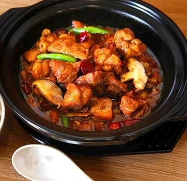 爱尚香辣黄焖鸡