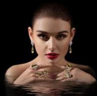 靈萊珠寶模特