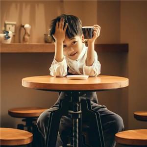 宝宝贝贝儿童摄影餐桌