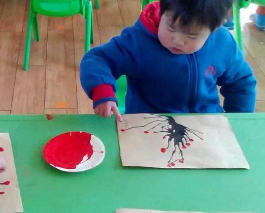 创意娃娃美术教育自主