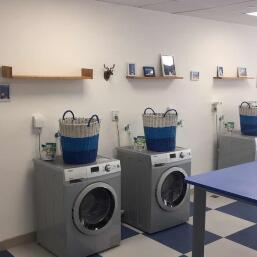 自助洗衣機機房