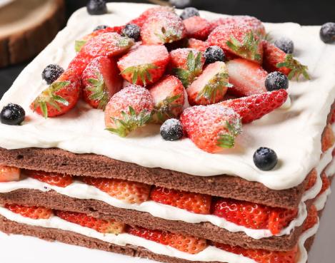 春天物语烘焙坊草莓蛋糕